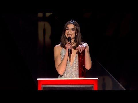 Dua Lipa wins British Female Solo Artist   The BRIT Awards 2018