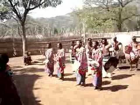 Swazi Cultural Village – Praise for the Swazi King