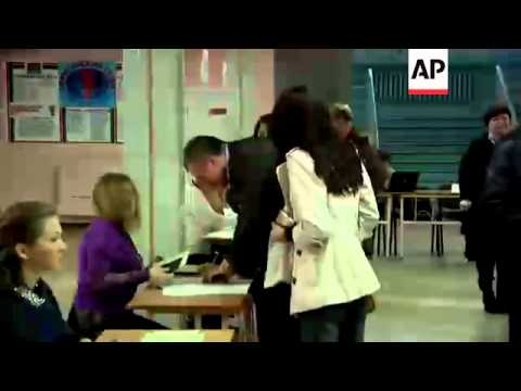 Head of Crimea's government Aksyonov one of first to vote in poll on region's future
