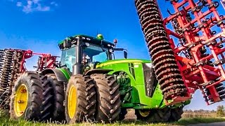 John Deere tractor 8370 R in Action! Amazing farming technology!