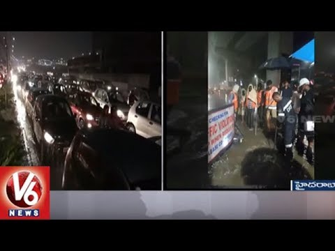 Heavy Rain Lashes Hyderabad City, Leaves Massive Traffic Jams | V6 News