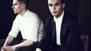 Watch Hurts Silver Lining video