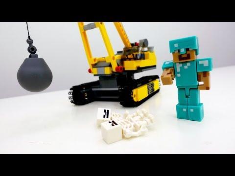 Скелеты разломали дом Стива! Видео Майнкрафт Лего.