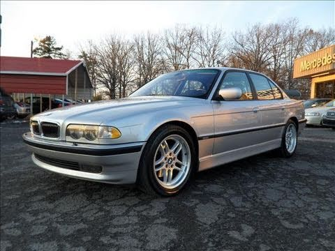 2001 BMW 740i Start Up. Engine. and In Depth Tour