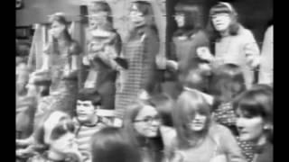 """1967-10-31 - """"Disc-O-Teen"""" Dances to Light My Fire"""
