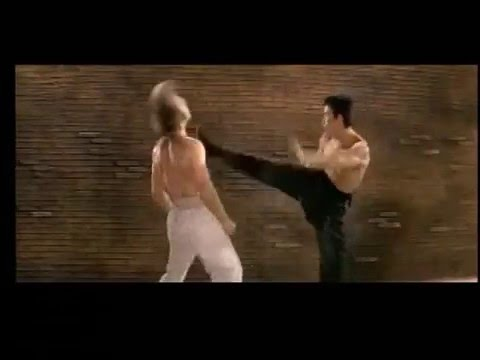 Bruce Lee Tribute kung Fu Fighting video