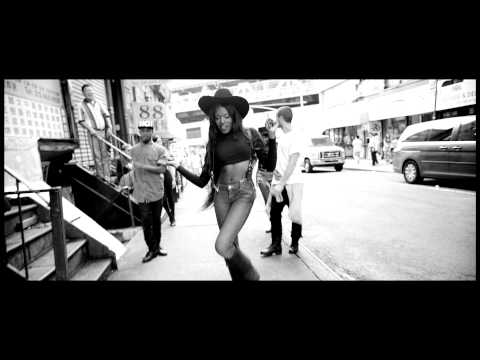 LUXURY - AZEALIA BANKS (**OFFICIAL VIDEO**)