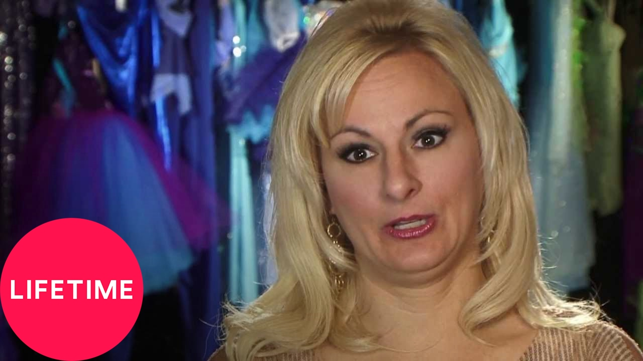 Dance moms the moms take kristie wants a fight while kelly