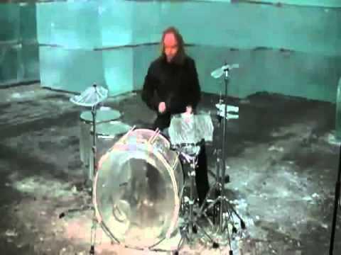 Игра на ледяных барабанах! Юмор! Прикол! Смех