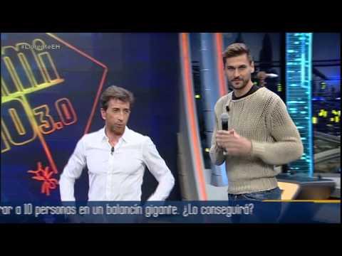 Fernando Llorente y Pablo Motos cantan 'Ma quale idea', de Pino D'Angiò - El Hormiguero 3.0