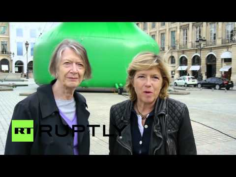 France: Butt Plug Or Christmas Tree? Judge Paris's Sexy Sculpture For Yourself video