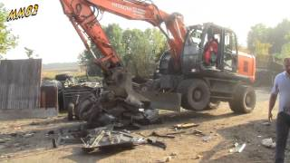 Hitachi excavator vs Volvo 850