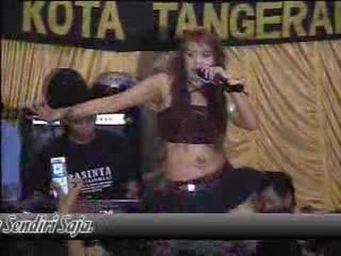 Dangdut - Lina Geboy: Kuda Lumping [hot-pg17+] video