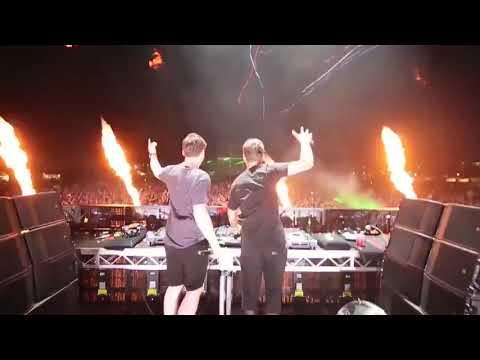 Диджеи зажигают (DJs lit)