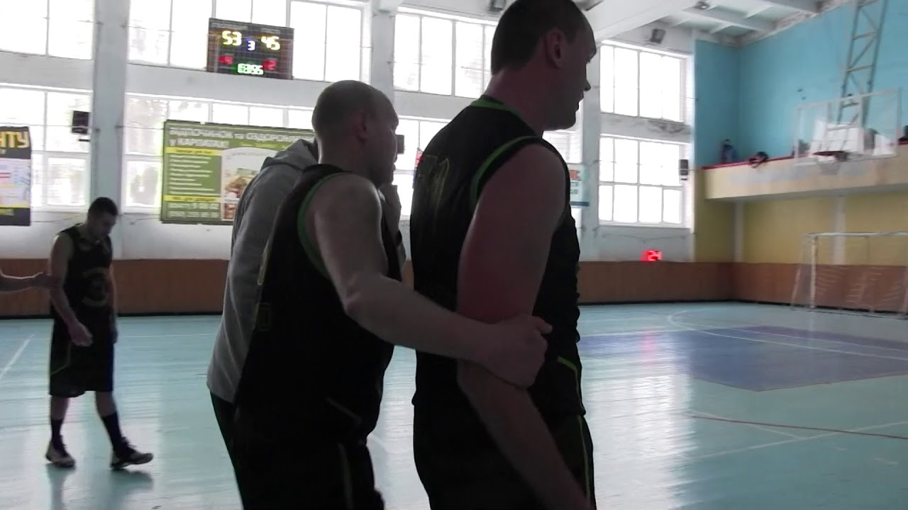 Погрози і напад на суддю. У Калуші баскетболістів заспокоювала поліція