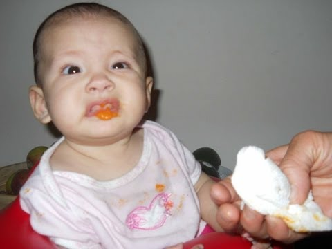 Introducing Solids: Baby Weaning Basics & Allergy Prevention