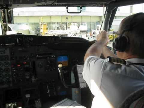 Air Inuit B737-200