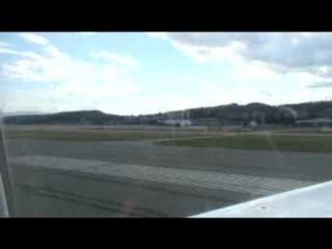 Air Canada Jazz landing in Kelowna - by JCV