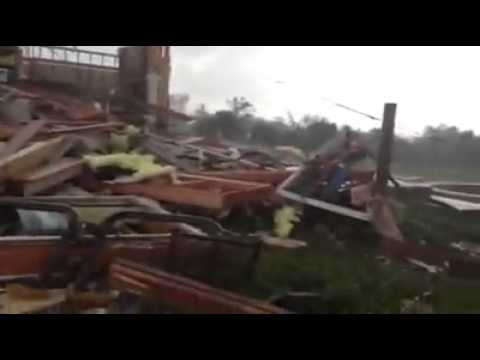 Film & Animation: Family comes out of storm cellar after May 20th Tornado in Moore Oklahoma