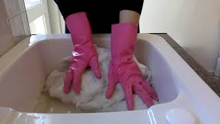 ASMR Mummy Hand Washes Rug Wearing Pink Household Rubber Gloves