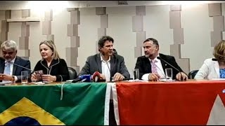 #AoVivo - Fernando Haddad concede coletiva após encontro de parlamentares do PT no Congresso.