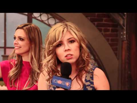 "Singing With Jennette McCurdy on the Set of ""iCarly"""