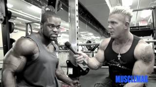 Brandon Curry: Triceps