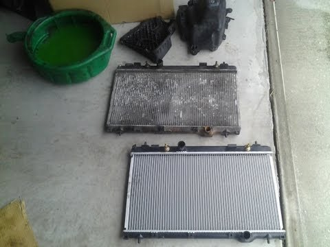 How to replace radiator on dodge neon 02 part1