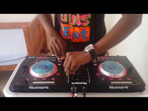 Deep House Mix (Numark Mixtrack Pro 3) - Live Mix