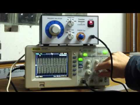 Signal function generator with ICL8038