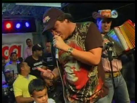 Silvestre le canta a su hijo