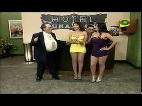 Elvira Palomino Gladys Trocones Vedettes Peruanas Bikini Amarillo