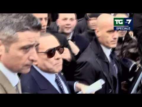 Il malato immaginario Silvio Berlusconi contestato al Senato 16/03/2013
