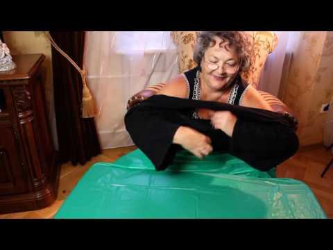 Как сделать женскую кофточку  из спортивных штанов  за 1мин своими руками
