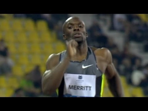 LaShawn Merritt cruises his way to a world leading time 44.19 at Doha