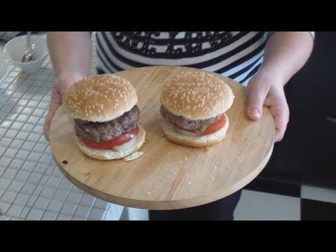Как приготовить домашний гамбургер - видео