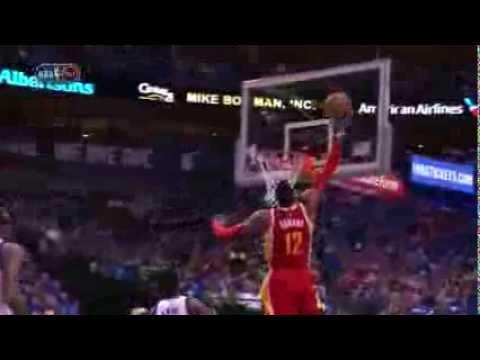 Dwight Howard Throws Down Incredible Acrobatic Alley-Oop