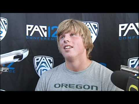 Sam Crouser: Pac-12 T&F post