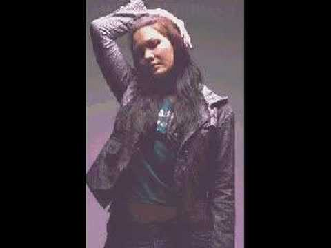 Melanie Subono  - Gue rock n roll (fotoclip)