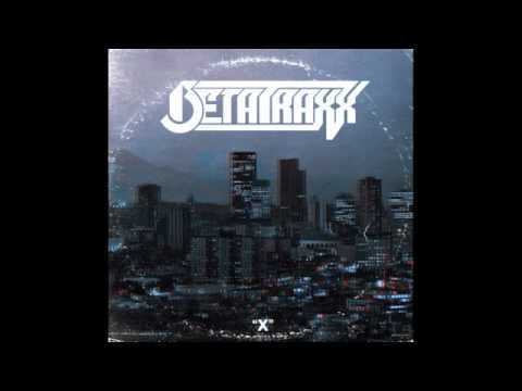 BetatraXx - Shuffling and Looking Dumb (Feat. Krystal)
