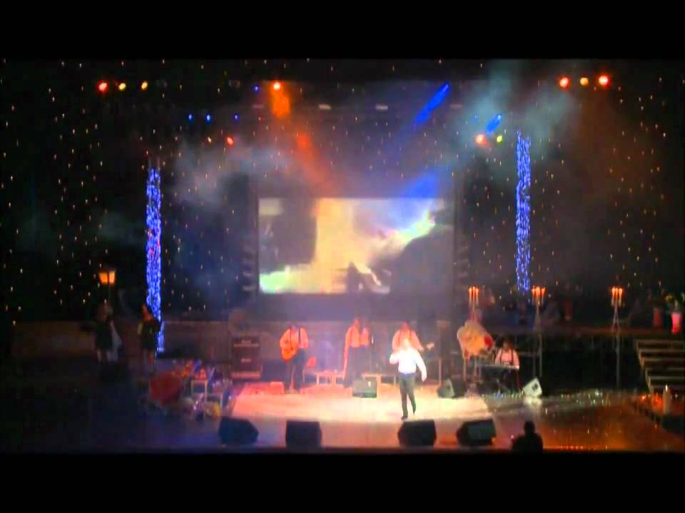Ovidiu Komornyik - Saruta-ma iubito (Concert Chisinau 2009) - YouTube