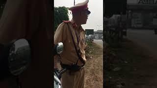 Phòng CSGT Vĩnh Phúc bắt láo bị phản dame