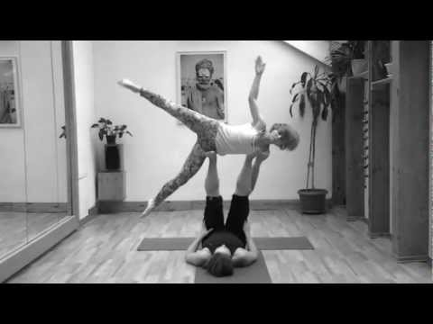 Acroyoga Masha & Tania September,2012