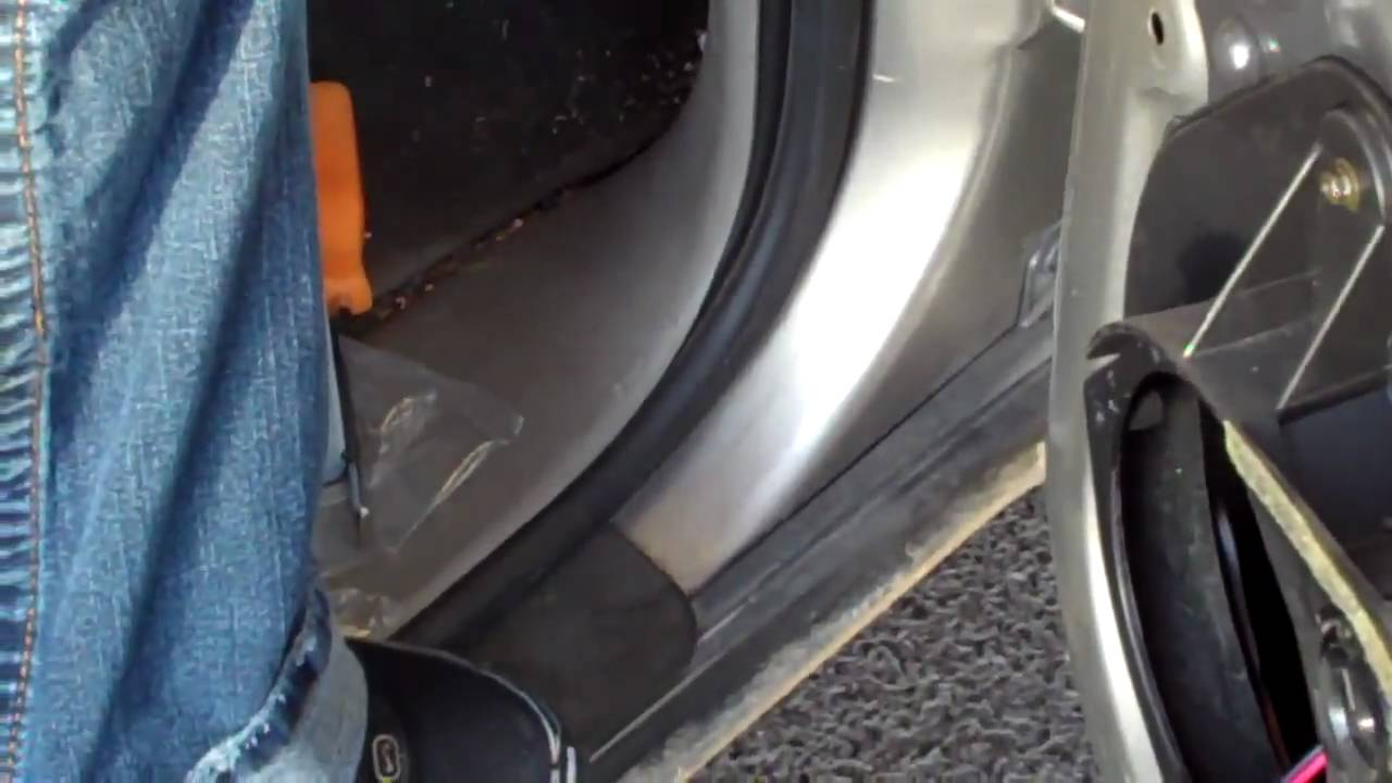How To Replace A Door Speaker In A Chevy Trailblazer Youtube