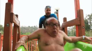 It's Always Sunny in Philadelphia - Frank tries the Thunder Gun Express water slide