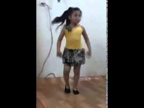 Children Dance On Hindi Song video