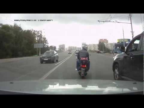 Скутер VS Toyota Land Cruiser
