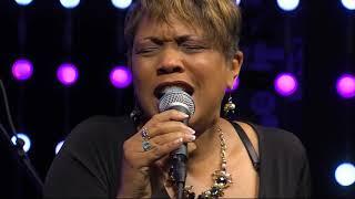 """Deja Vu Performs """"Been Around the World,"""" """"Margaritaville,"""" """"Open Arms"""" Medley"""