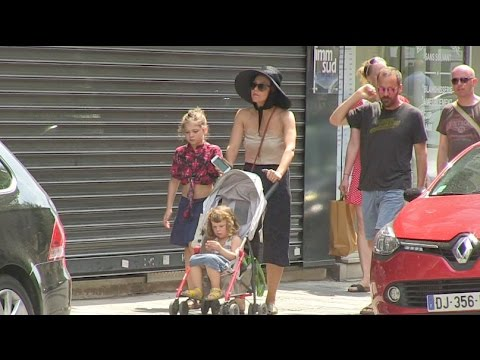 EXCLUSIVE - Maggie Gyllenhaal and her family celebrate the 4th of July in Paris