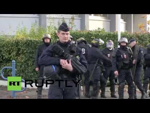 France: Riot police contain leftists protesting Front National